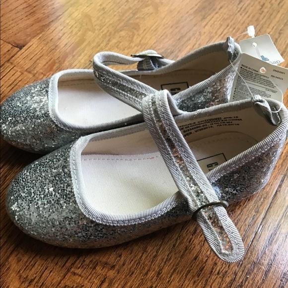 ddf0e8c1b5a Gap girls silver glitter Mary Janes